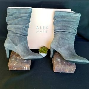 NIB Alex Marie Gray Suede Slouch Boot Size 9.5M